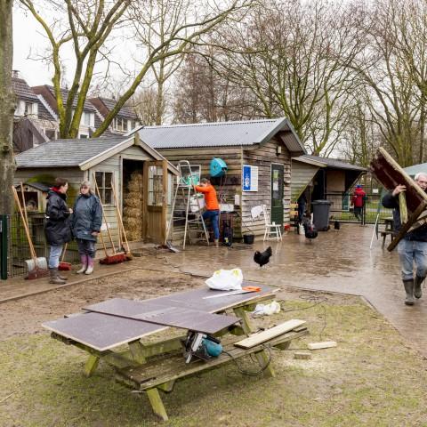 NL Doet 2015 Kinderboerderij Beestenboel